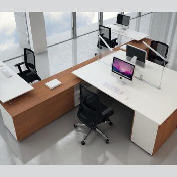 рабочее место сотрудника офиса 9