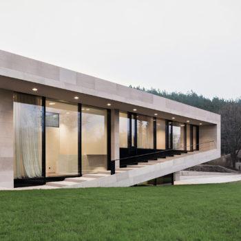 современные дома с панорамным остеклением