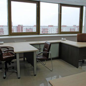Мебель для рабочего места в офисе 5