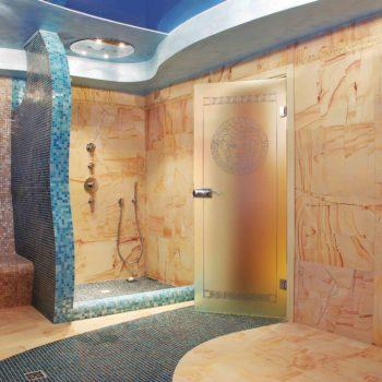 двери в баню стеклянные