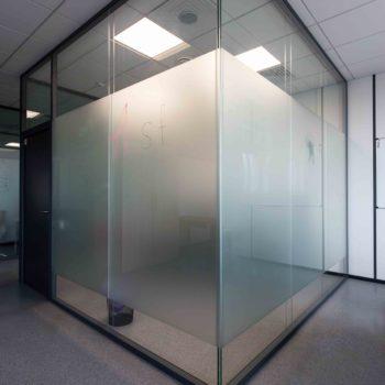 стеклянные перегородки в офис 4