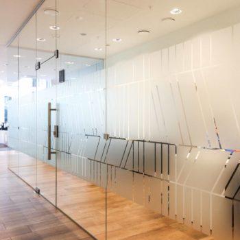 стеклянные перегородки лофт 4