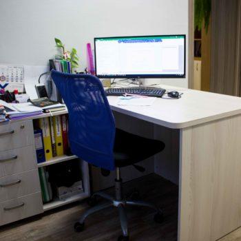 Мебель для рабочего места в офисе 4