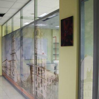 алюминиевые офисные перегородки с рисунком - фото 1
