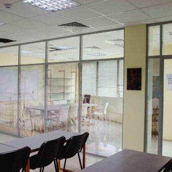 алюминиевые офисные перегородки с рисунком - фото 2