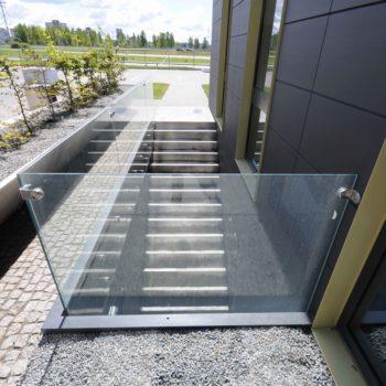 остекление лестниц 10