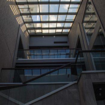 стеклянные ограждения для лестницы 2