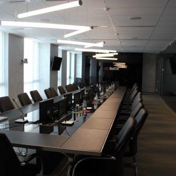Столы для переговоров и руководителей